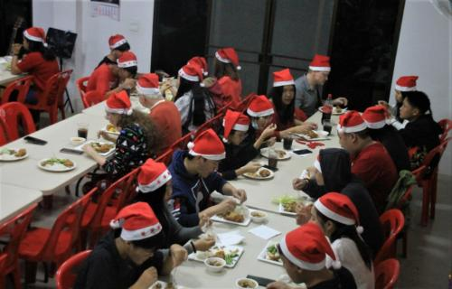 Reminder – we had 53 people over for Christmas dinner!